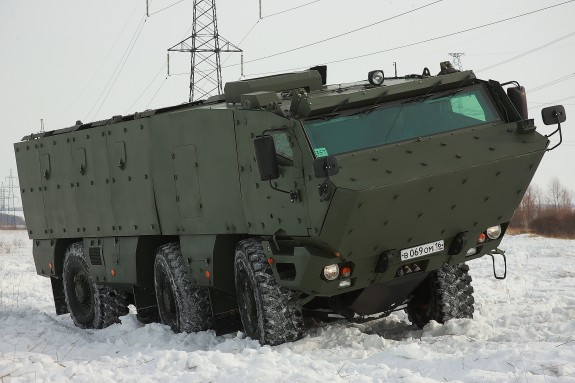 http://warsonline.info/images/stories/news/13/04apr/tehno/bronya/kamaz-2.jpg